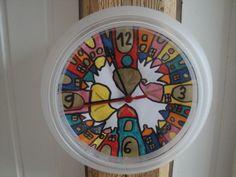Horloge Ikea à la façon de Hundertwasser