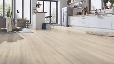 Robusto 4684 Ebro Oak on yksi tämän kevään uutuuksistamme. Robusto sarjan käyttöluokan 33 paksut 12mm:n laminaatit ovat nimensä mukaisesti tehty kovaa käyttöä ajatellen. Ebro Oakin on sävyltään kaunis vaalea beige.  #karitma #laminaatti #lattia Grey Flooring, Hardwood Floors, Aqua, Deco, Beige, Studio, Vintage, Gray Floor, Finding Nemo