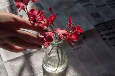 How to make liquid vase filler yourself pinterest clear resin how to make your own fake water for artificial flowers mightylinksfo