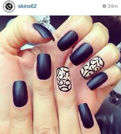 Beautiful design with black nails. Why do I love black nails so much? Fabulous Nails, Gorgeous Nails, Pretty Nails, Gorgeous Girl, Hot Nails, Hair And Nails, Sexy Nails, Classy Nails, Fancy Nails