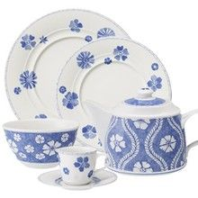 Love the blue Finally a cup and saucer!