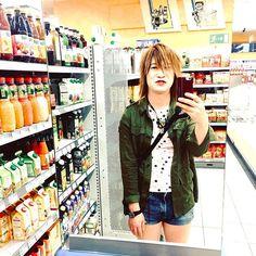 Are these big mirrors in this small supermarket for selfie? #me #selfie #life #supermarket #gundelfingen /  不親切な店長がいつも客に睨みを利かせている村のスーパーには大きな鏡がいっぱい。 セルフィーするのに最適♫ #セルフィー #海外生活 #ドイツ