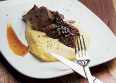Η συνταγή της ημέρας: Συκώτι με πουρέ πατάτας http://www.peoplegreece.com/article/sintagi-tis-imeras-sikoti-poure-patatas/