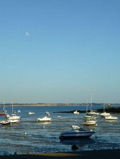 Lever de lune, ce soir, à #kervoyal #damgan #morbihan Opera House, Photos, France, Building, Travel, Brittany, Places, Viajes, Pictures