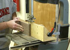 Woodworking Furniture Plans, Woodworking Projects That Sell, Woodworking Patterns, Woodworking Bench, Woodworking Shop, Woodworking Crafts, Woodworking Workshop, Woodworking Organization, Diy Projects
