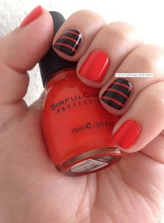 Fierce Makeup and Nails: Simple Halloween Mani!