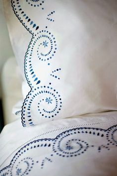 Just happened upon these fabulous Leron linens, and wow. A few years ago I did a post ( here ) on Leontine Linens , an. Beige Bed Linen, Bed Linen Sets, Linen Pillows, Linen Bedding, Bed Pillows, Bedding Sets, Bed Linens, Delft, Love Blue