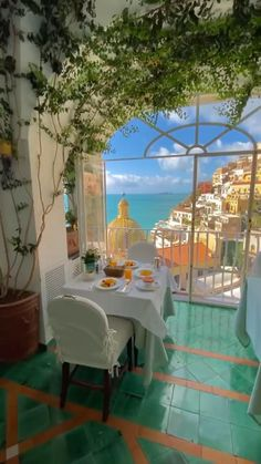 Vacation Places, Dream Vacations, Vacation Trips, Honeymoon Destinations, Beautiful Places To Travel, Beautiful Hotels, Italy Honeymoon, Positano, Travel Aesthetic