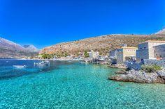 Peloponnes, die Halbinsel im Süden Griechenlands, ist Sieger des Rankings. Hier können Touristen antike Städte, Traumstrände, Weinregionen und historische Tempel erleben. Außerdem liegt Olympia, der Austragungsort der Olympischen Spiele der Antike, im Nordwesten der Insel.