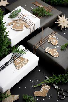 Korkanhänger basteln mit Kork Geschenkanhänger Weihnachtsschmuck Winter DIY Anleitung