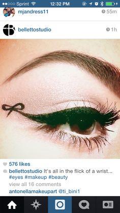 Eyeliner bow