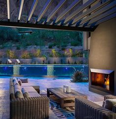 Will you look at that pool! By @lustercustomhomes