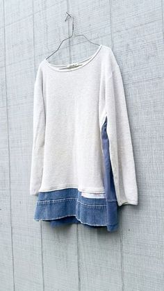 Pulloverkleid Loose Fit Upcycled Kleidung Repurposed von CreoleSha Sweater Dress Loose Fit Upcycled Clothing Repurposed by CreoleSha dress Diy Clothes Refashion, Sweater Refashion, Diy Clothing, Sewing Clothes, Sewing Jeans, Refashioned Clothes, Upcycled Sweater, Ropa Upcycling, Diy Fashion