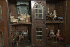 300 year old doll house - An historic dolls' house and its contents were valued at £200,000 by an Antiques Roadshow expert in Tewkesbury, according to national newspaper reports. Tewkesbury Abbey officials had...