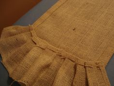 No sew table runner.  Burlap with ruffle!  LOVE!