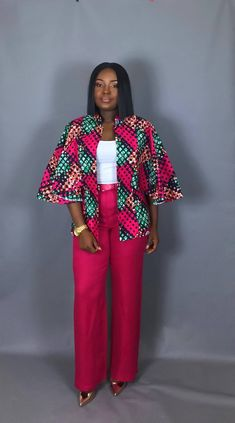 NOUVEAU vêtement imprimé IN:African capelet imprimé africain - Tap the link to shop on our official online store! You can also join our affiliate and/or rewards programs for FR African Fashion Designers, Latest African Fashion Dresses, African Print Fashion, Africa Fashion, Ankara Fashion, African Blouses, African Tops, African Women, African Print Clothing