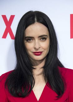 Krysten Ritter Layered Cut - Krysten Ritter attended the 'Jessica Jones' FYC screening wearing her hair in stylish face-framing layers. Krysten Ritter, Hairstyles With Bangs, Pretty Hairstyles, Lace Front Wigs, Lace Wigs, Jessica Jones Marvel, Face Framing Layers, Hair Fair, Grunge Hair