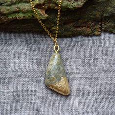 Halskette Speckstein mit Blattmetall von SpecksteinFee auf Etsy
