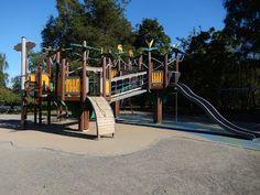 Otetaan hiekkalelut mukaan!: Hupisaarten keskusleikkipuisto