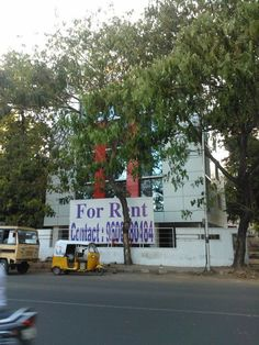 There is a Brand New office Right Opposite to the Rajarathnam Stadium, three floors for Rent.    Egmore
