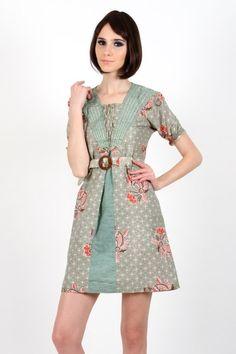 dress batik wanita dengan kain katun lebih nyaman dalam aktivitas