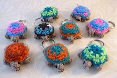 Free pattern  Ravelry: Tiny Two-tone Turtle pattern by Lucy Ravenscar
