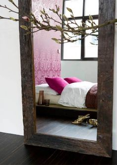 Love the mirror and color...........