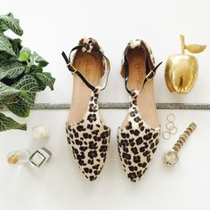 """Cheetah Print Faux Calf Hair Pointed Toe Flats Leopard Ankle T-Strap Flats 