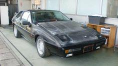 1987年ロータスエクセルレストアベース車  書類あります。  2代目エリートのファストバッククーペ版であるロータス・エクラの後継車種として1982年に発売された。当初は、「エクラ・エクセル」として発売されたが、その後、エクセルが正式名称となった。 エスプリなどと同じ2.2リットル水冷直列4気筒DOHCエンジンを鋼製バックボーンフレームに搭載し、ボディーはロータス伝統のFRPを採用した。内装は2+2で、本革シートと木目が張られたダッシュボードという