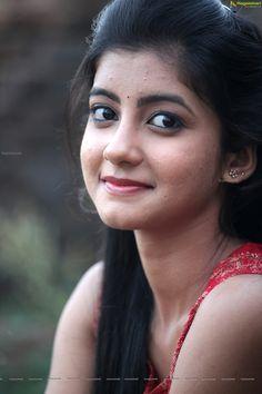 Sumaya Stills Frm Prema Janta Beautiful Girl In India, Beautiful Girl Photo, Cute Girl Photo, Beautiful Indian Actress, Beauty Full Girl, Cute Beauty, Indian Girl Bikini, Indian Girls, Cute Baby Girl Pictures