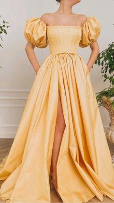 Pretty Prom Dresses, Elegant Dresses, Cute Dresses, Beautiful Dresses, Vintage Dresses, Wedding Dresses, Gala Dresses, Dress Outfits, Evening Dresses