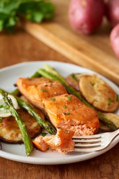 Recipe: Sheet Pan Crispy Salmon and Potatoes — Quick and Easy Weeknight Dinners