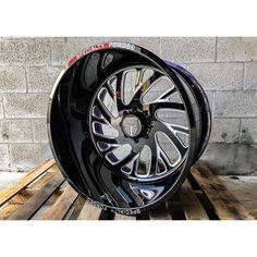 4x4 Rims, Truck Rims, Custom Wheels, Custom Cars, Dodge Cummins, Forged Wheels, Wheels And Tires, Car Show, Cool Cars