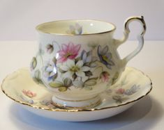 ROYAL ALBERT TEACUP, Vintage, Floral bouquet, Cup and saucer, England Fine Bone China, Collectible, Tea coffee service, Gift Ideas