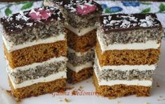 Медово-маковий пляцок Russian Cakes, Russian Desserts, Pastry Recipes, Cake Recipes, Cooking Recipes, Hungarian Cake, Ukrainian Recipes, Traditional Cakes, Pastry Cake