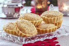 Denne gode oppskriften på marvposteier gir ca. Sweets Cake, Xmas, Christmas, Cheesecakes, Apple Pie, Baked Goods, Baking Recipes, Holiday Recipes, Muffin