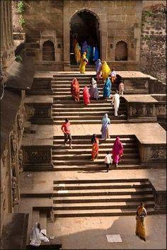 Maheshwar, Madhya Pradesh, India by Hercio Dias