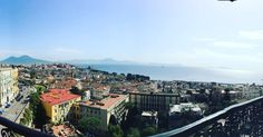 """""""Mi piace"""": 46, commenti: 4 - Amedeo Gianfrancesco (@ame_gianf) su Instagram: """"Vista da 5 stelle! 🌟 #bella #napoli #zucchetti #success #grand #hotel #parkers #paesaggio #vesuvio…"""""""