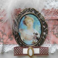 """Bracelet manchette shabby chic, romantique, """"dame avec chiot"""""""