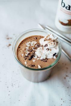 raw + vegan coconut-cashew milkshakes | dolly and oatmeal