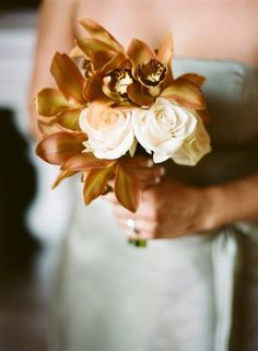 brown weddings, gold weddings, bon voyage, golf clubs, wedding ideas, wedding bouquets, autumn weddings, fall weddings, bridesmaid bouquets