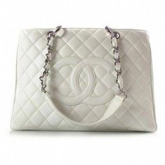 64e8edda1b4f Chanel handbag! yess please! #Chanelhandbags Beautiful Handbags, Beautiful  Bags, Beautiful Life