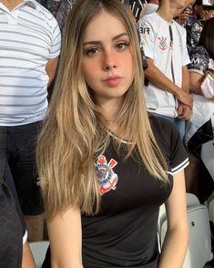 Hot Football Fans, Football Girls, Football Outfits, Corinthians Tumblr, Brazilian Girls, Foto Pose, Sport Girl, Beautiful Models, Nice Tops