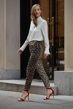 Escada Talarantu Leopard-Print Ankle Pants- The Perfect Outfit for a Professional to Social Setting. Leopard Pants Outfit, Leopard Print Pants, Printed Pants Outfits, Office Style, Office Fashion, Ankle Pants, Animal Prints, Work Wear, Trousers