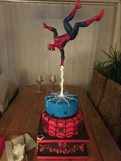 Cool Spiderman Cake                                                                                                                                                                                 Más