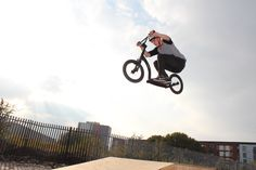 www.swiftyscooters.com SwiftyAIR scooter with 16inch wheels