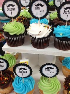 Cupcakes at a Little Man Mustache Party #littleman #mustacheparty