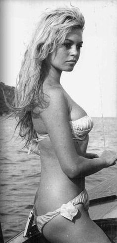 Brigitte Bardot in a white bikini Bridgitte Bardot, Brigitte Bardot Young, Brigitte Bardot Bikini, French Actress, Bikini Photos, Beautiful Celebrities, Mannequins, Old Hollywood, Bikini Girls