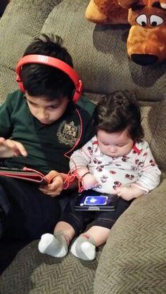 My 2 grandkids Indian Bollywood, Bollywood Stars, Bollywood Fashion, Pakistani, Soha Ali Khan, Taimur Ali Khan, Shahrukh Khan Family, Karena Kapoor, Cute Babies