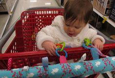 per quando stara' seduta nel carrello :) Per evitare che lecchi tutto e per metterci giochini